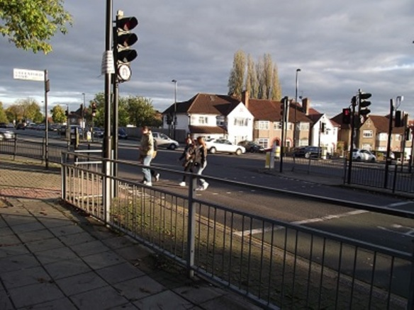 Whitton Avenue West crossing Greenford (Albertina McNeill 2014)