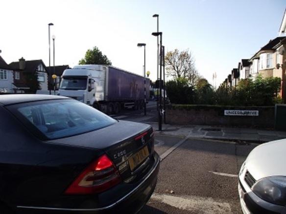 Uneeda Drive junction (Albertina McNeill 2014)