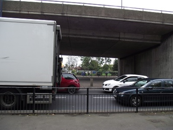 North west slip road, Greenford Flyover (Albertina McNeill 2014)