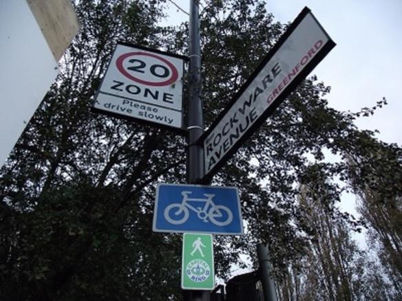 Rockware Avenue, signs, Greenford (Albertina McNeill 2014)